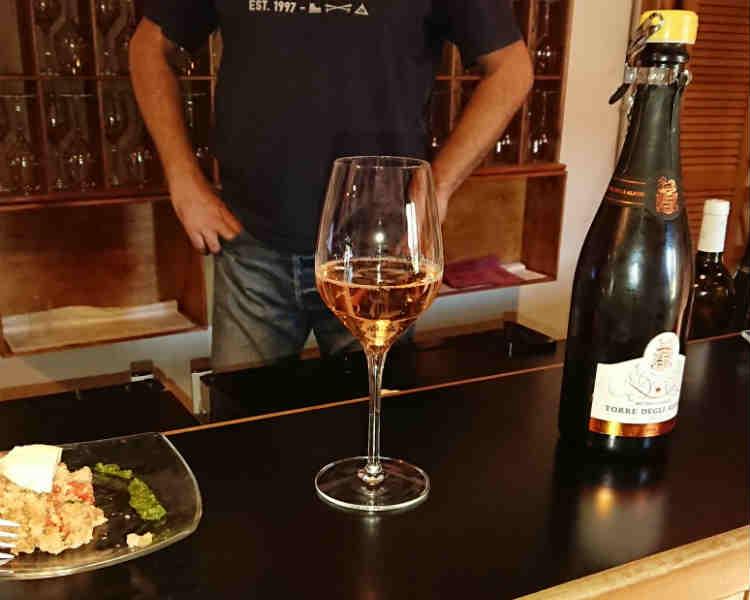degustazione vino spumante oltrepò pavese