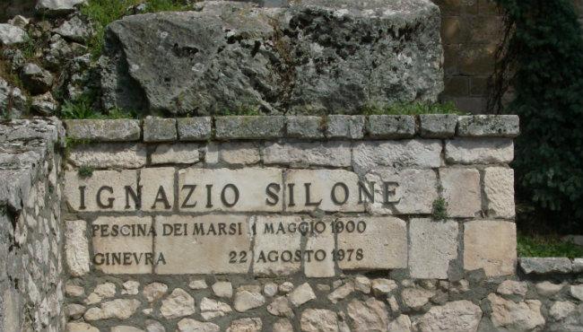 tomba_silone